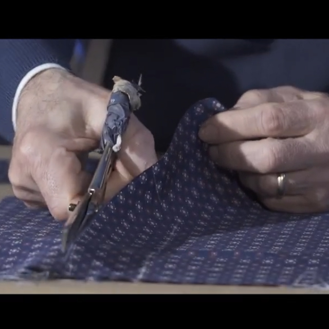 Processing of a handmade tie