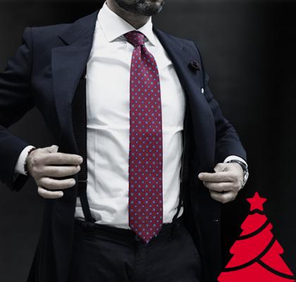 Cravatta in seta sartoriale rossa con bretelle e giacca